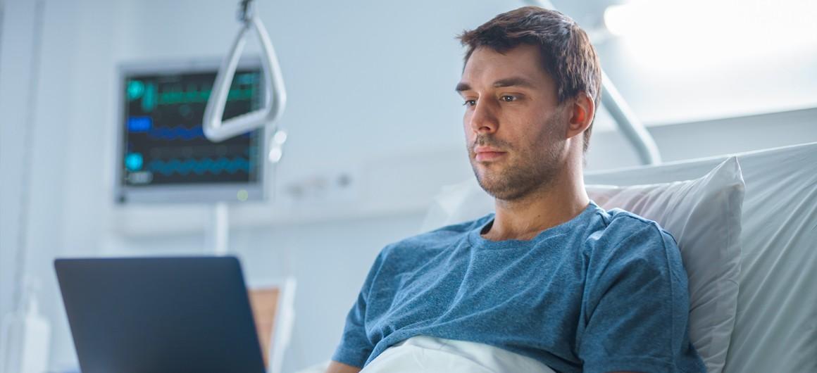 Im Krankenbett - Wie geht es mit dem Unternehmen weiter? Foto: Adobe-Stock