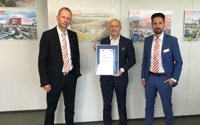 Höffner Möbelhaus erhält IHK-Ausbildungssiegel