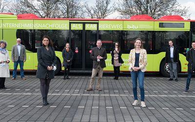 Der neue Chef kommt mit dem Bus